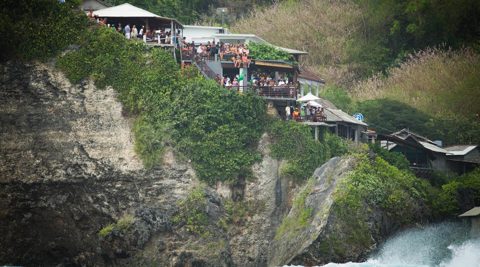 Waves Cliff Top Bar A Restaurant