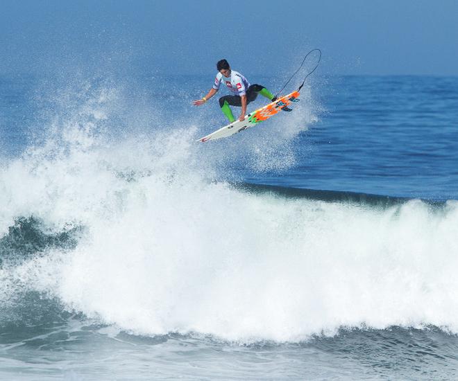 FEATURES Mechanics Surfline - 16 epic surfing photos